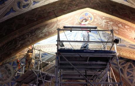 Poursuite de la restauration dans la nef, et réouverture de la cathédrale à la visite