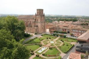 La cathédrale et les jardins