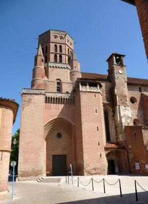 Le clocher-porche du XV siècle et la tour du Jacquemart