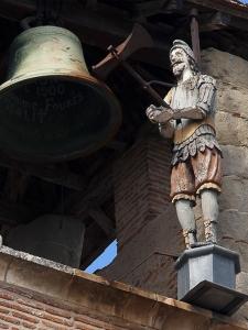 Le Jacquemart de Lavaur est le seul en place dans le Sud-Ouest de la France.